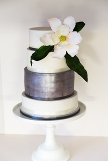 happyhills cakes silver large flower